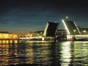 St. Petersburg - Neva - open brug