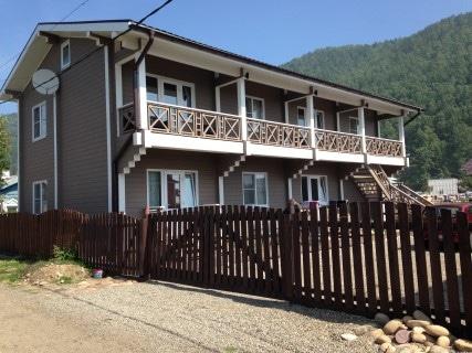 Listviyanka Guesthouse