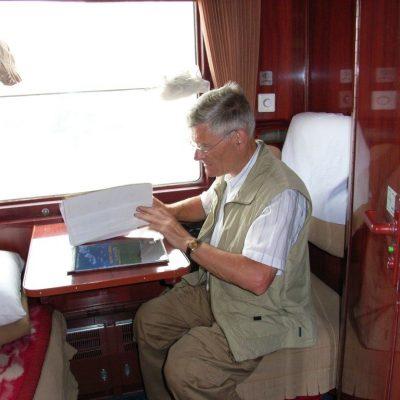 Een boekje lezen in de Transsiberië Express