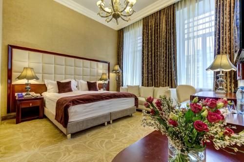 Akyan-hotel-reis-moskou-st-petersburg
