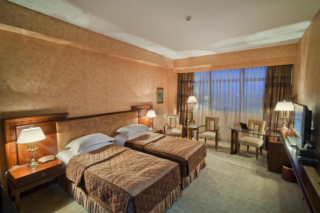 Ramada Hotel width=