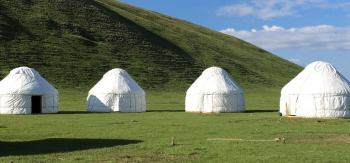 Yurt camp Son-kul